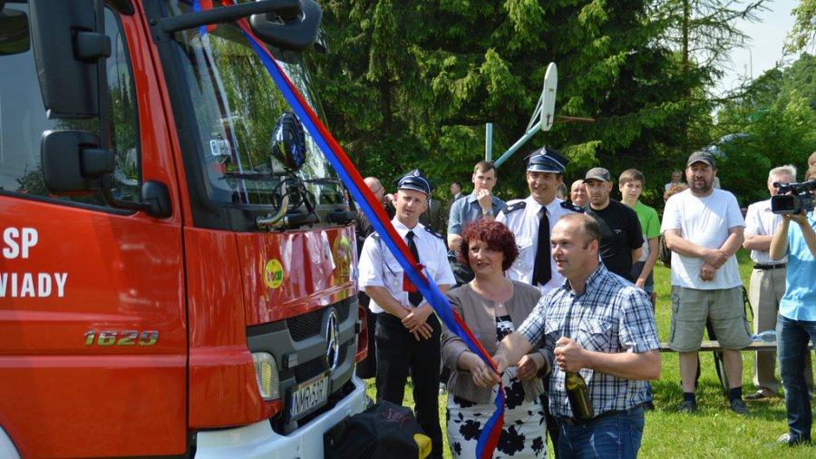 Video: Nowy Mercedes dla strażaków z Nawiad